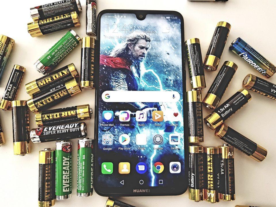 5000mAh的电池容量是供过于求的鸡肋?还是将成为改变人们使用手机方式的突破?