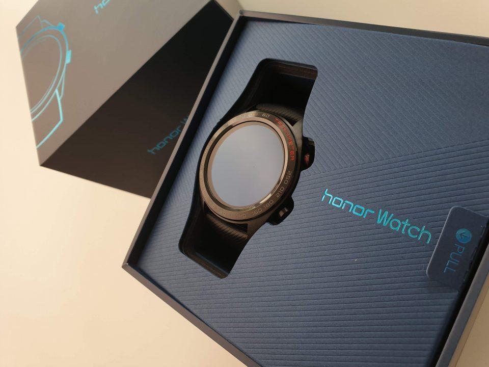 HONOR Watch Magic以RM599正式发布,轻薄时尚还具备长续航!