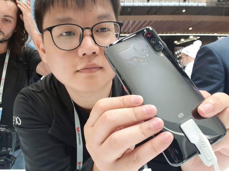 Xiaomi Mi 9亲身测试:屏下指纹抢掉摄像性能风头?