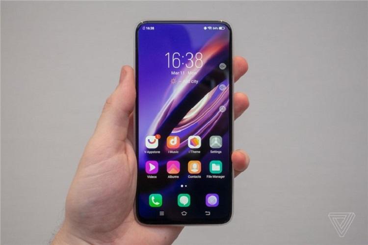 Vivo APEX 2019真机上手!无孔手机+全屏指纹+极致屏占比!