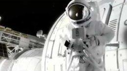 客家佬上太空拍东西拍到一直发飙!