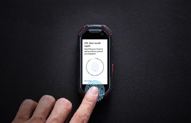 你越变越大,我钟爱小巧!Unihertz Atom开启众筹,2.45寸屏幕却有IP68防水防尘、NFC、指纹辨识,还是Android Oreo!
