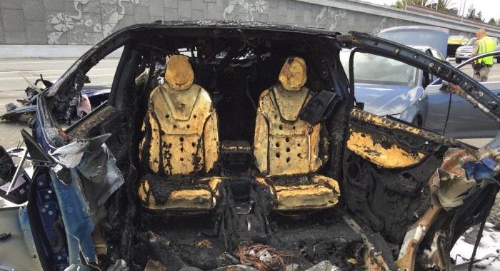 """""""自动驾驶""""科技再次造成车祸夺命案,Apple华裔工程师送院后不治身亡!"""