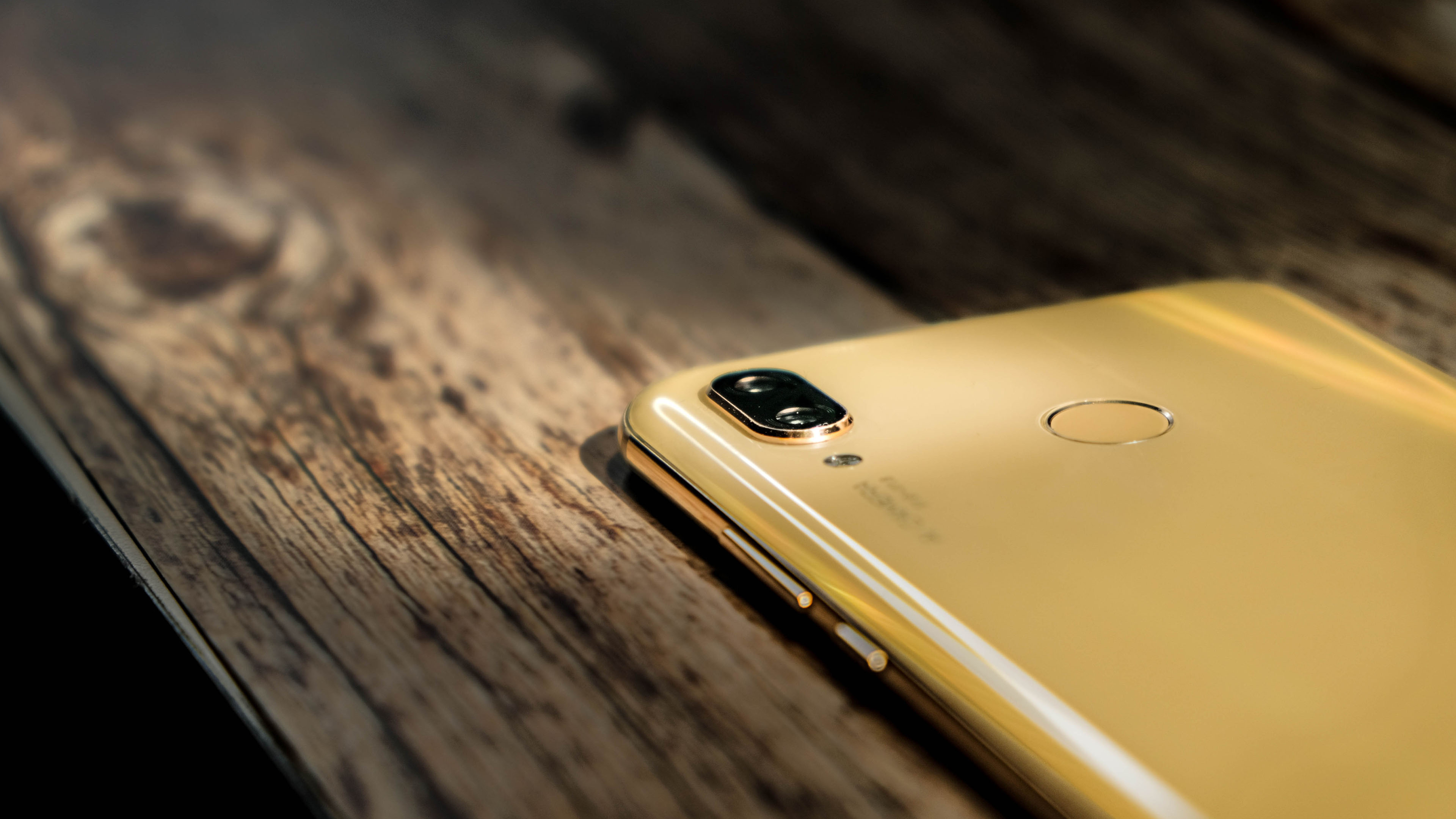 """Huawei Nova 3 摄像表现,""""金""""艳全场!"""