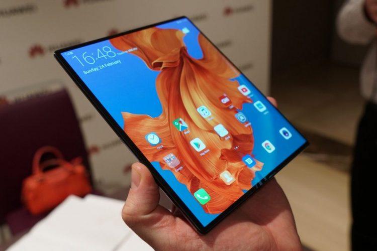 Huawei余承东表示:未来两年里Huawei旗舰机一半将是可折叠屏手机+售价亲民!