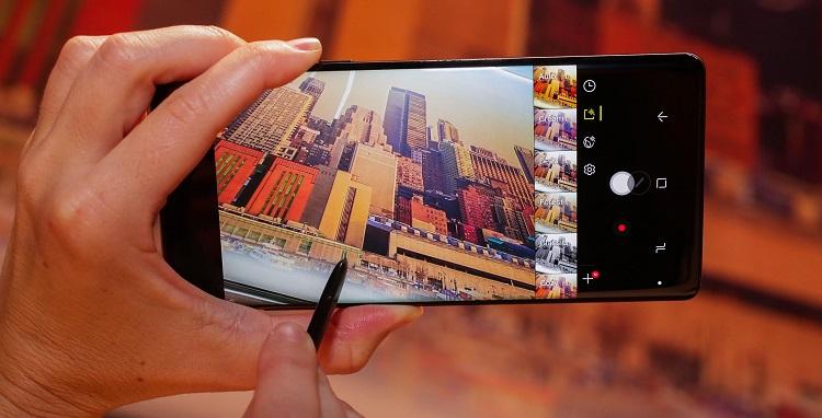 iPhone死敌Samsung来势汹汹!Galaxy Note 8在韩首周末销量破27万台!看来iPhone X压力山大咯!